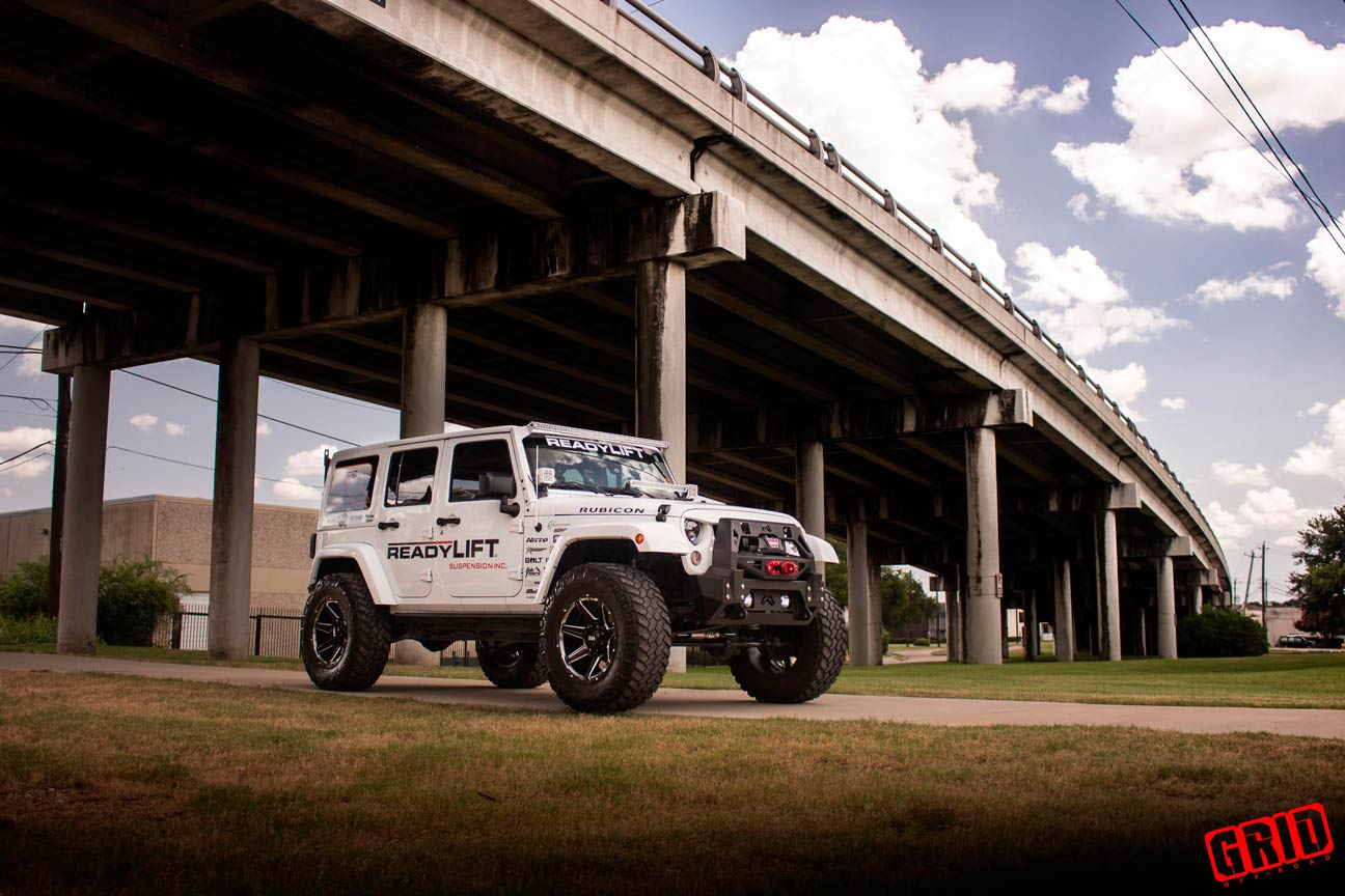 Grid-Offroad-gd6-gloss-black-milled-jeep-jk-wrangler-readylift-white-1
