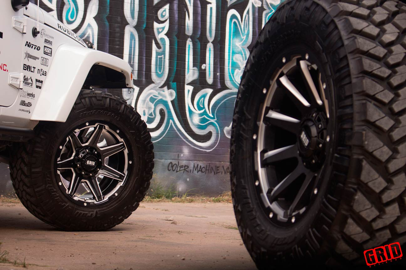 Grid-Offroad-gd6-gloss-black-milled-jeep-jk-wrangler-readylift-white-with-GD5-matte-black-milled-2