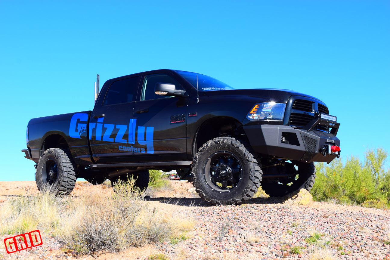 grid-offroad-gd1-matte-black-dodge-ram-2500-doetsch-offroad-grizzly-coolers-2